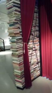 muur van boeken - juf Inger